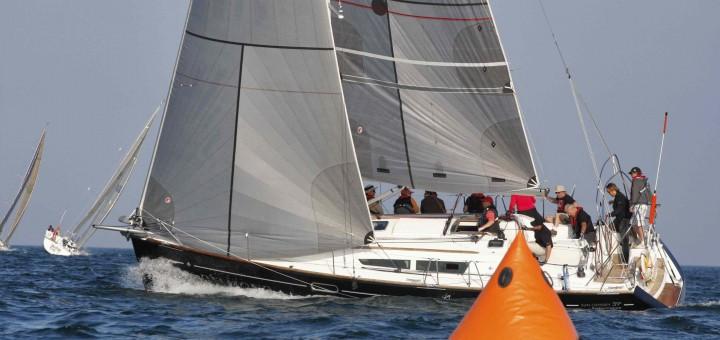 Jeanneau Performance Cruiser