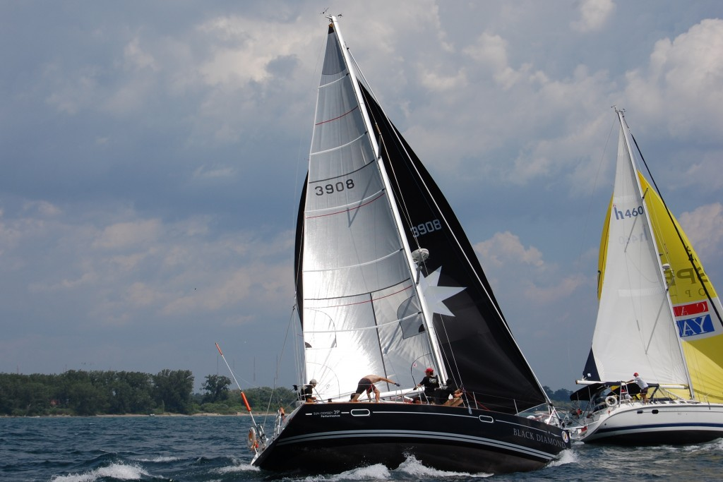 Jeanneau full custom spinnaker and performance sails.