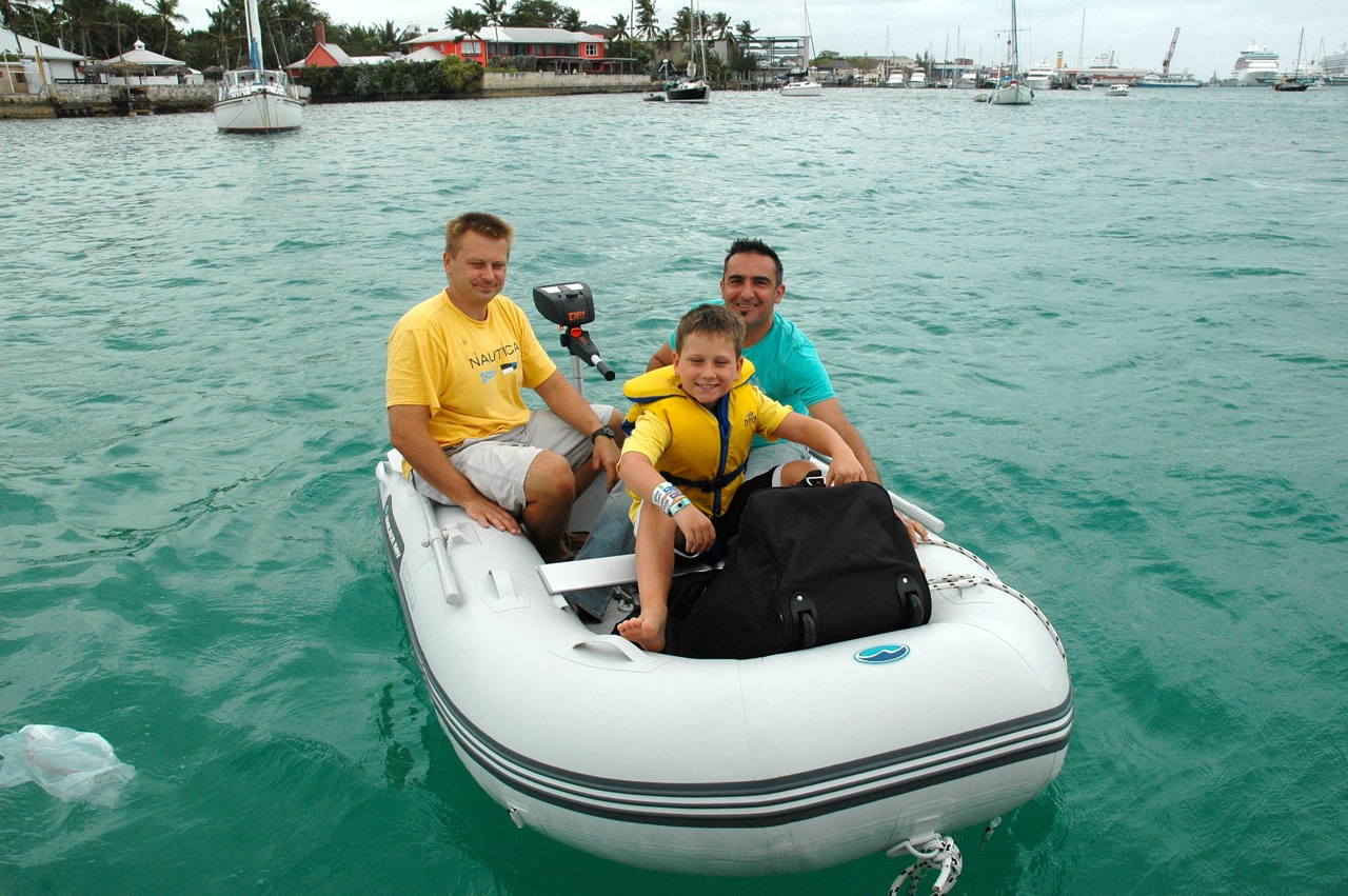 We gave or friends a ride back to land in our dinghy so they can catch a plane home.