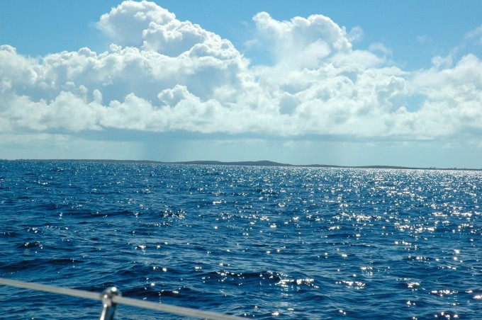 Horizon of the leeshore, sailing to Georgetown, Exumas.