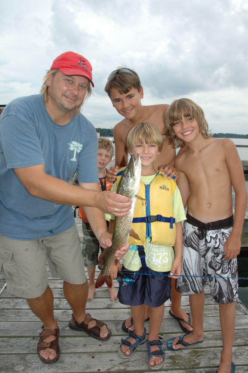 Gananoque ontario blogging aboard black diamond for Little kid fishing pole